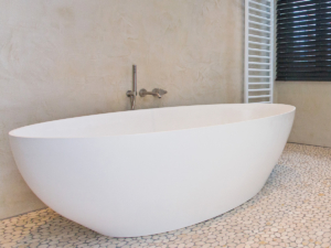 Salinas bath by COCOON